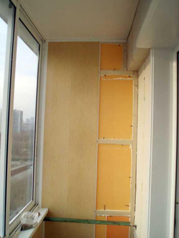 Выход на балкон: дизайн, отделка, утепление, оформление (вид.