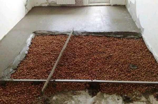 Залитая и утепленная керамзитом бетонная стяжка