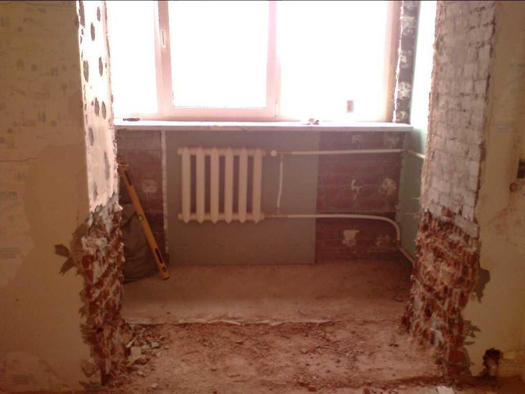 Как совместить кухню с балконом? порядок работ.