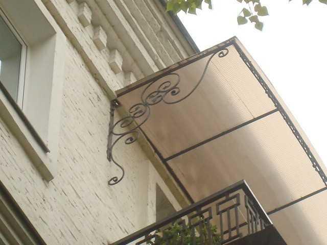 Установка козырька на балконе: инструменты, материалы, монта.