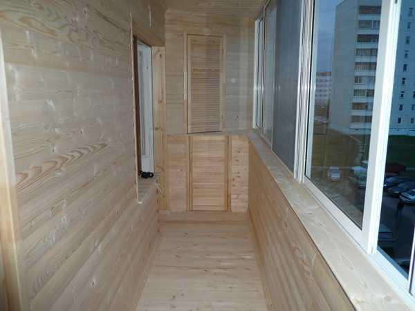 Обшивка балкона блокхаусом