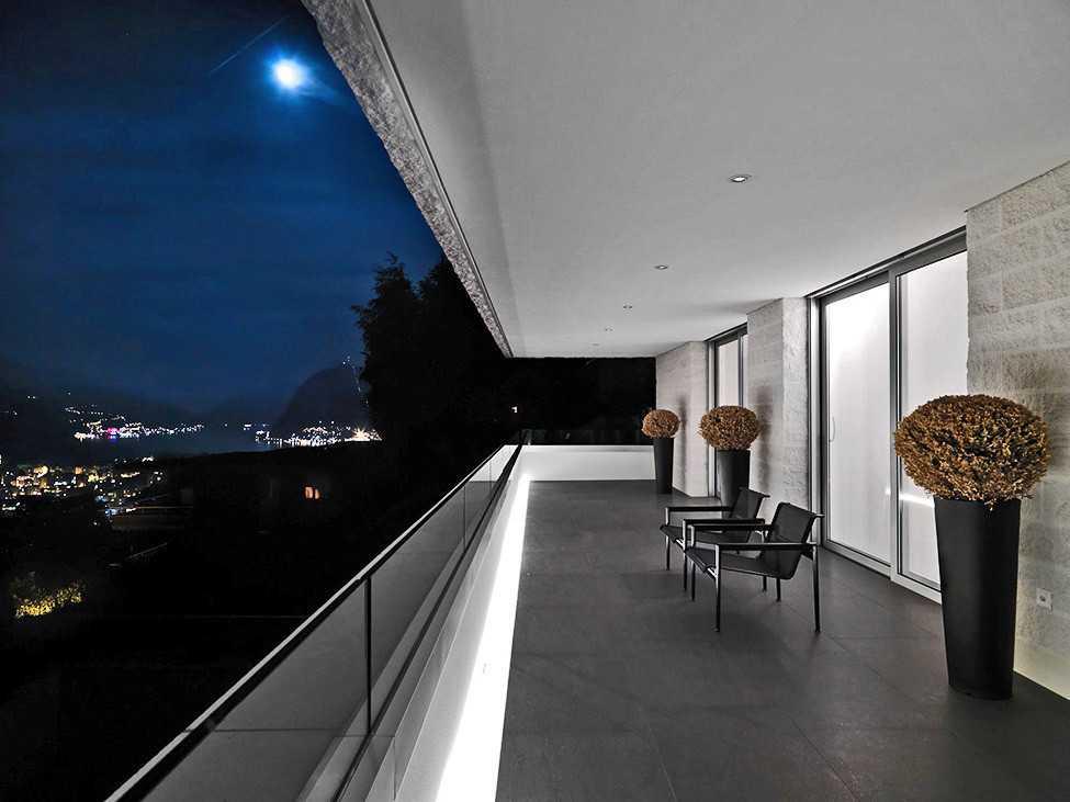 Декоративная штукатурка подходит для отделки как стен так и потолков.