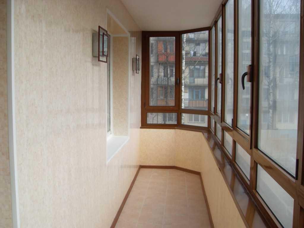 Вариант внутренней отделки балкона