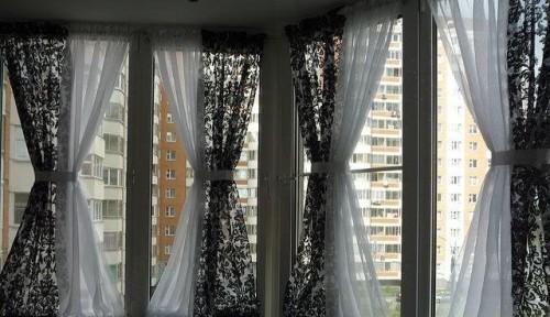 Красивые шторы на балконе