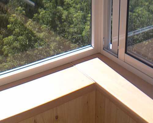 Подоконник на балконе