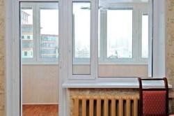Однопольная дверь с окном.