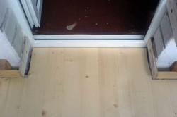 Порог балконной двери
