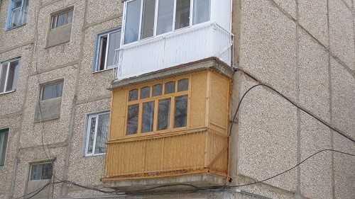 Деревянные и пластиковые балконные рамы