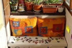 Скамья из старой мебели
