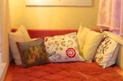 Уютная спальня на лоджии