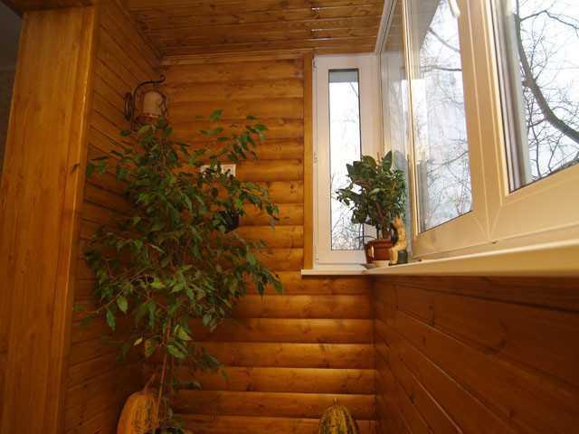 Отделка балкона блок-хаусом