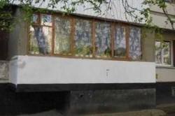 Подвал под балконом(вид снаружи)