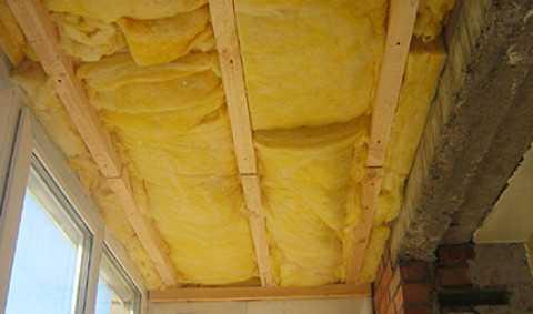 Потолок, утеплённый минеральной ватой