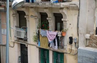 Для сушки белья подходит балкон и лоджия