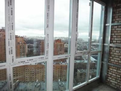 Окна REHAU на балкон - теплое остекление для каждой семьи